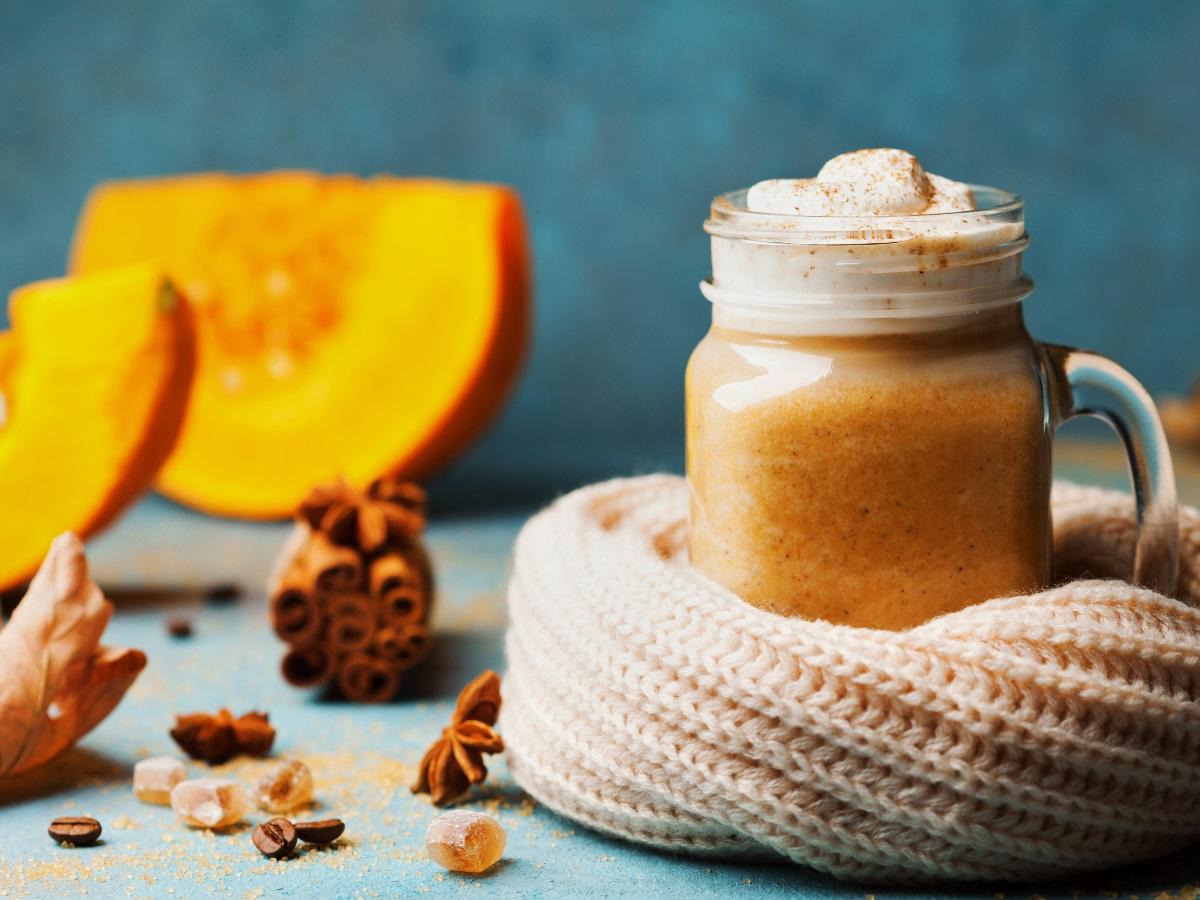 Recept za 'pumpkin spice latte' kot ga pijejo v filmih Slika 1