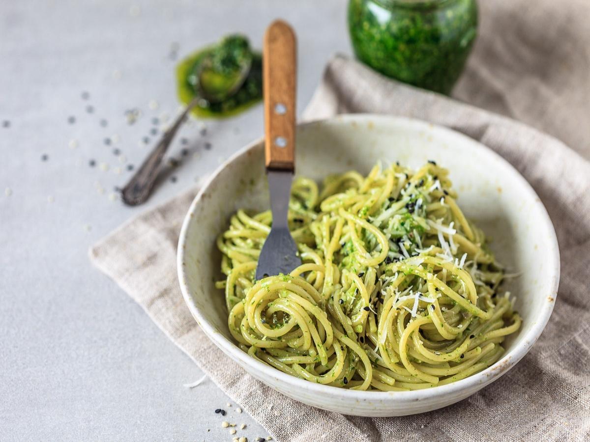 Špageti s čemaževim pestom Slika 1